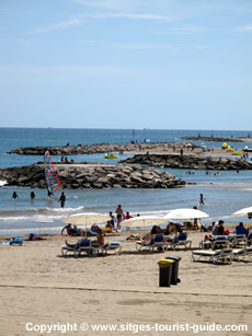 Sitges swimming pools sportsclubs and beaches for Piscina municipal sitges