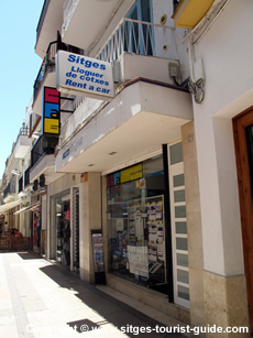 Transport in sitges getting around the centre by bus taxi bike and hire car - Sitges tourist information office ...